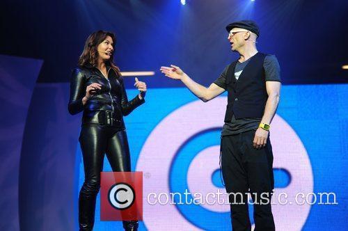 Jason Bradbury and Suzi Perry presenting The Gadget...