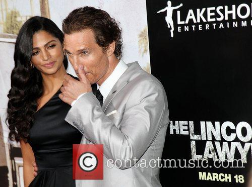 Camila Alves and Matthew Mcconaughey 9