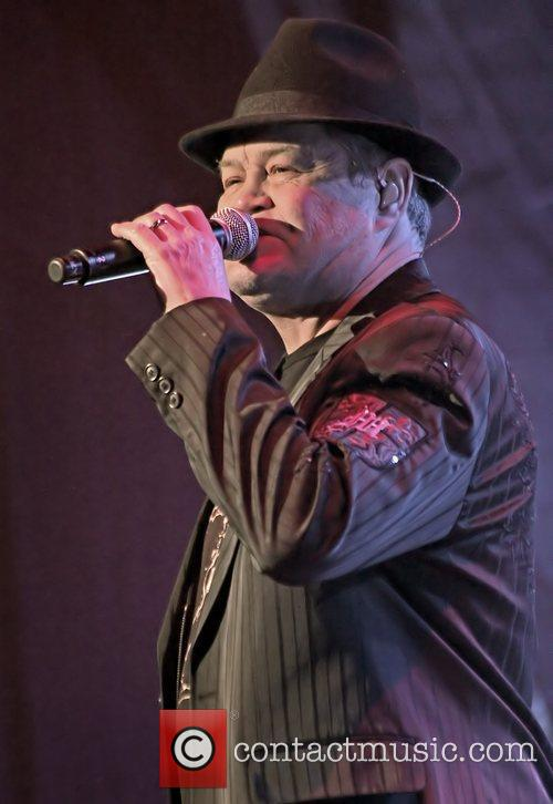 Mickey Dolenz  The Monkees performing at Manchester...