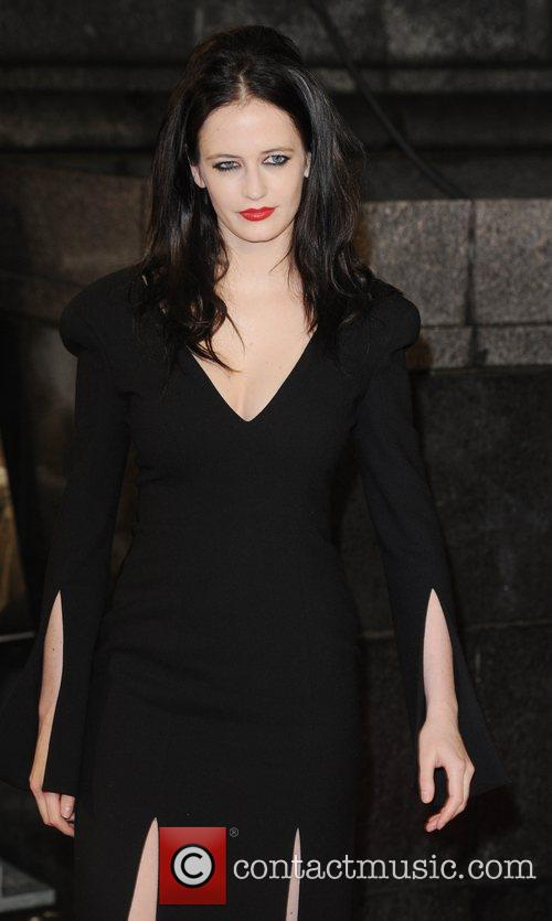 eva green at the premiere of rum 3590849