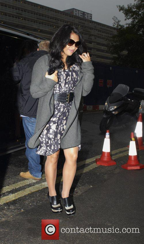 vanessa white the saturdays arriving at rehearsals 3609535