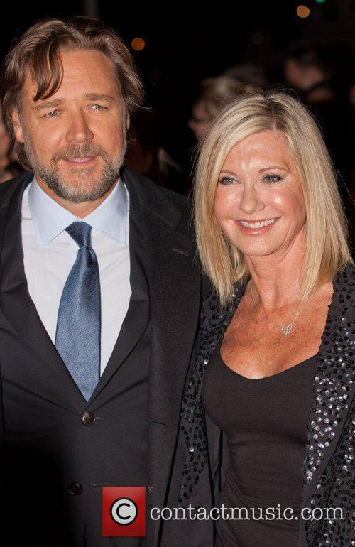 Olivia Newton-john and Russell Crowe 10