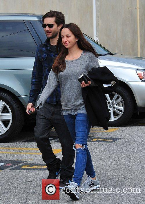 Tobey Maguire and JENNIFER MEYER 6