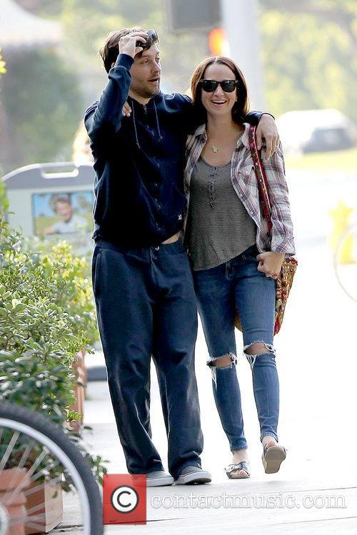 Tobey Maguire and Jennifer Meyer 7