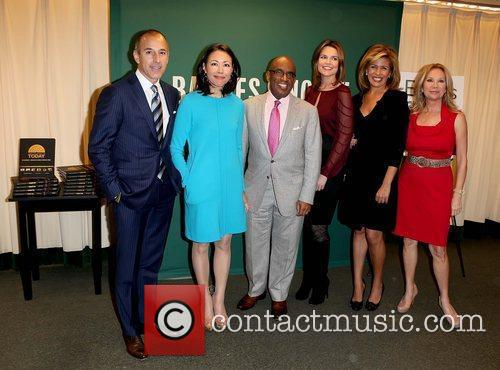 Matt Lauer, Al Roker, Ann Curry, Hoda Kotb and Kathie Lee Gifford 9