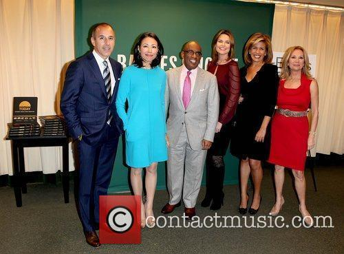Matt Lauer, Al Roker, Ann Curry, Hoda Kotb and Kathie Lee Gifford 6