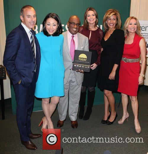 Matt Lauer, Al Roker, Ann Curry, Hoda Kotb and Kathie Lee Gifford 7