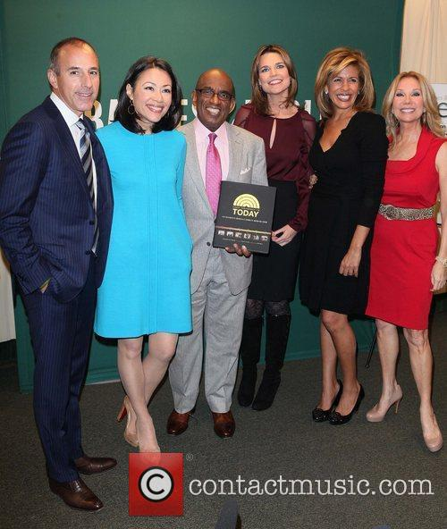 Matt Lauer, Al Roker, Ann Curry, Hoda Kotb and Kathie Lee Gifford 4