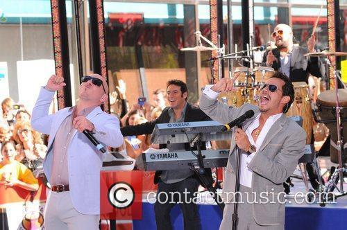 Pitbull and Marc Anthony 5