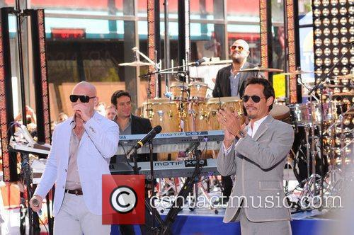 Pitbull and Marc Anthony 8
