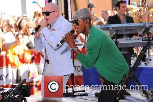 Pitbull and Ne-Yo  performing at the Toyota...