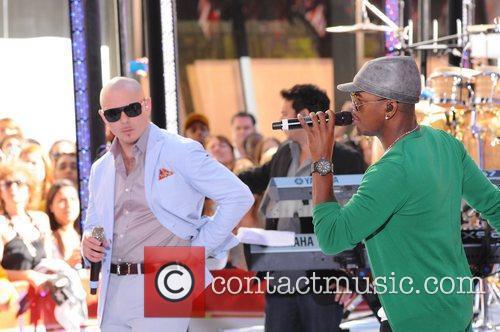 Ne-Yo and Pitbull 7