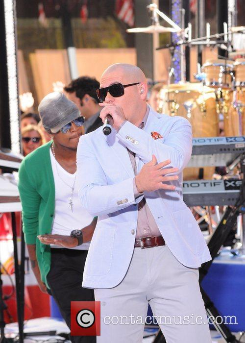 Ne-yo and Pitbull 11