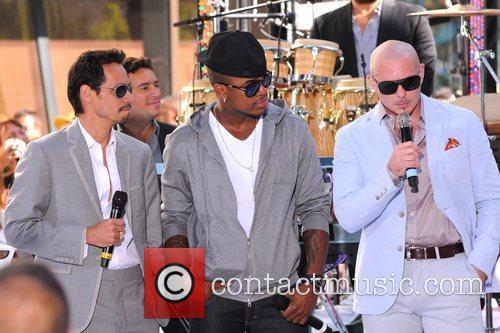 Marc Anthony, Ne-Yo and Pitbull 2