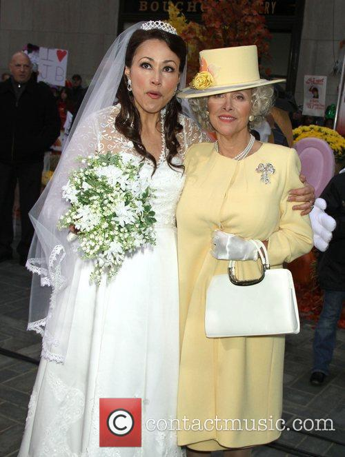 Ann Curry and Meredith Vieira dress up as...