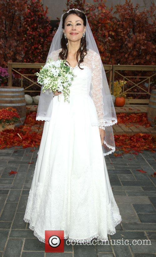 Ann Curry dresses up as Kate Middleton for...