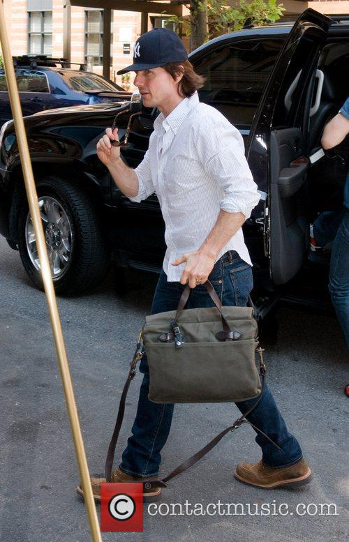 Tom Cruise  arrives at his Manhattan apartment...
