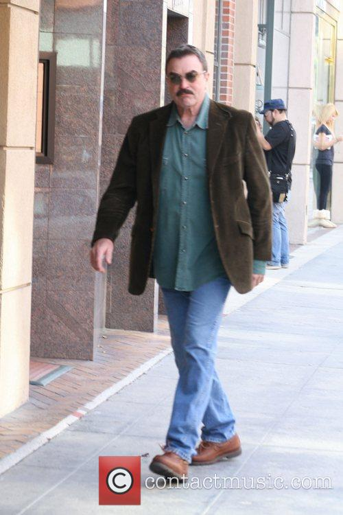 Tom Selleck and Clinic 2