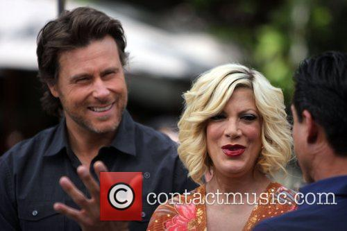 Dean Mcdermott and Tori Spelling 11