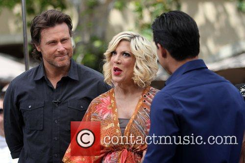 Dean Mcdermott and Tori Spelling 6