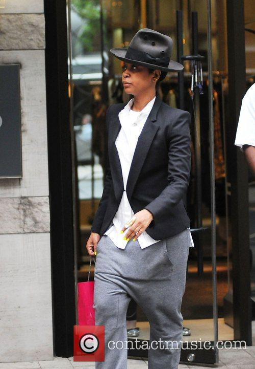 Erykah Badu leaving the Giorgio store Toronto, Canada