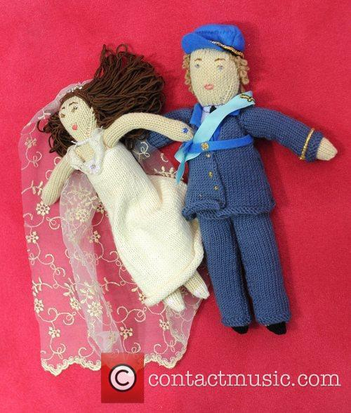 Knit William and Kate dolls The Toy Fair...