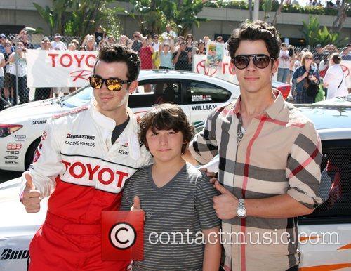 Kevin Jonas and Nick Jonas 5