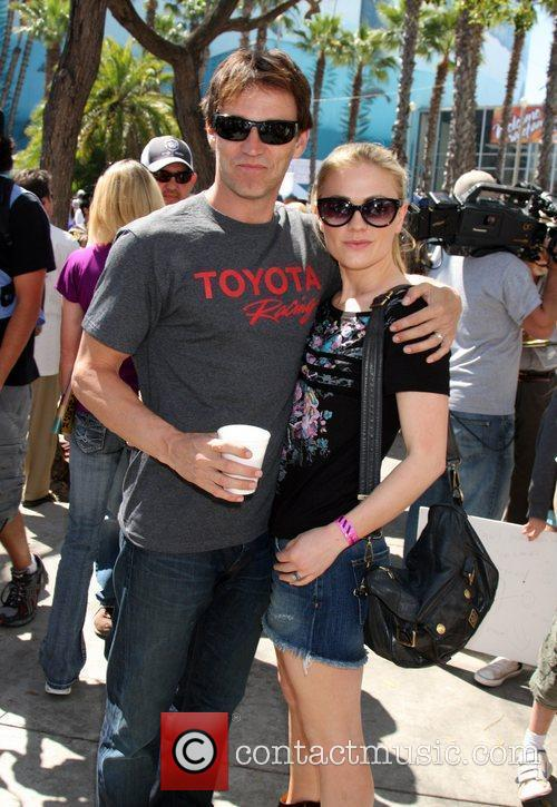 Stephen Moyer and Anna Paquin 8