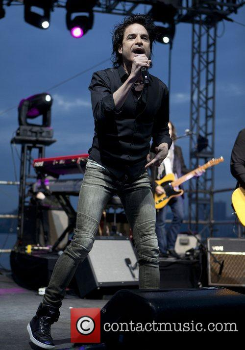 Train and Pat Monahan 11