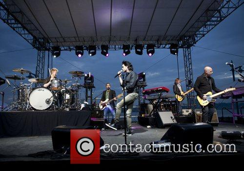 Train and Pat Monahan 8
