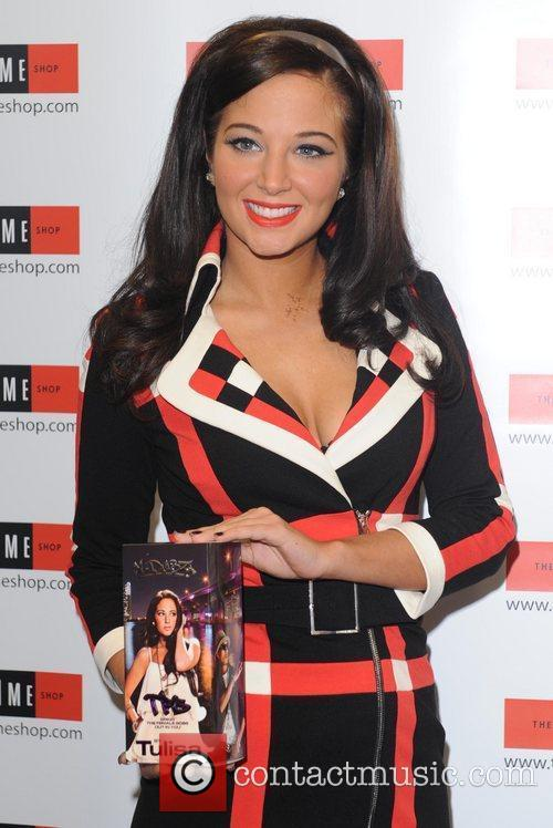 tulisa contostavlos launches her debut fragrance the 3577630