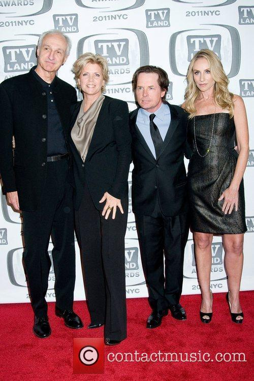 Michael Gross, Meredith Baxter, Michael J Fox and Tracy Pollan 4