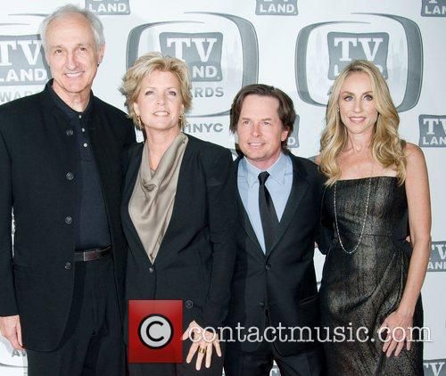 Michael Gross, Meredith Baxter, Michael J Fox and Tracy Pollan 1