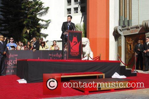 Jimmy Kimmel and Grauman's Chinese Theatre 3