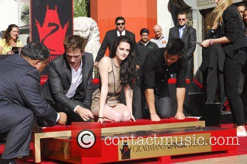 Robert Pattinson, Kristen Stewart, Taylor Lautner and Grauman's Chinese Theatre 63