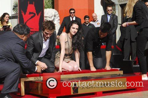 Robert Pattinson, Kristen Stewart, Taylor Lautner and Grauman's Chinese Theatre 58