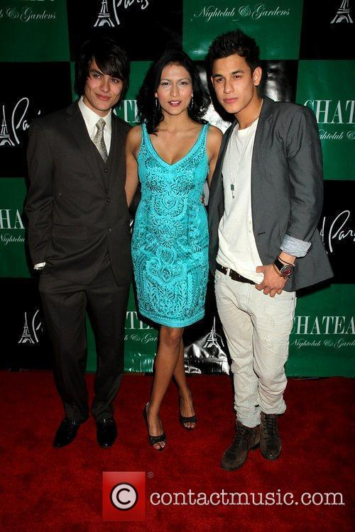 Kiowa Gordon, Bronson Pelletier and Tinsel Korey 8