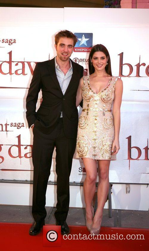 Robert Pattinson and Ashley Greene 1