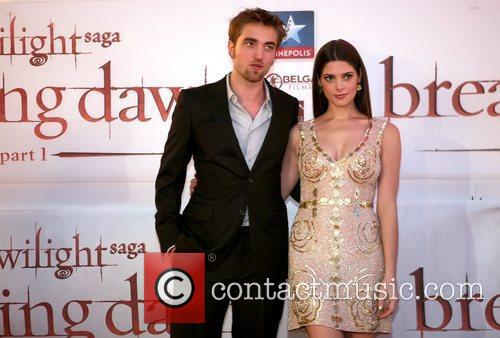 Robert Pattinson and Ashley Greene 9