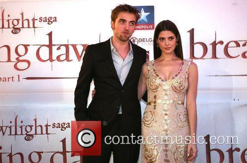 Robert Pattinson and Ashley Greene 5