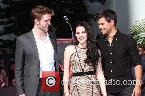 Robert Pattinson, Kristen Stewart, Taylor Lautner, Grauman's Chinese Theatre