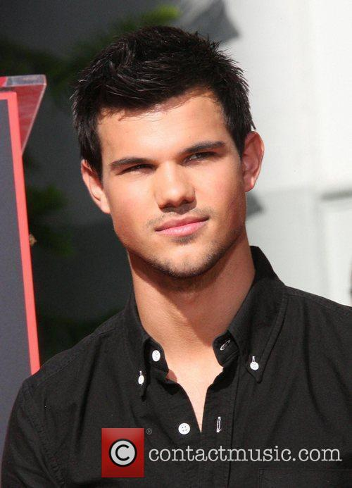 Taylor Lautner and Grauman's Chinese Theatre 3