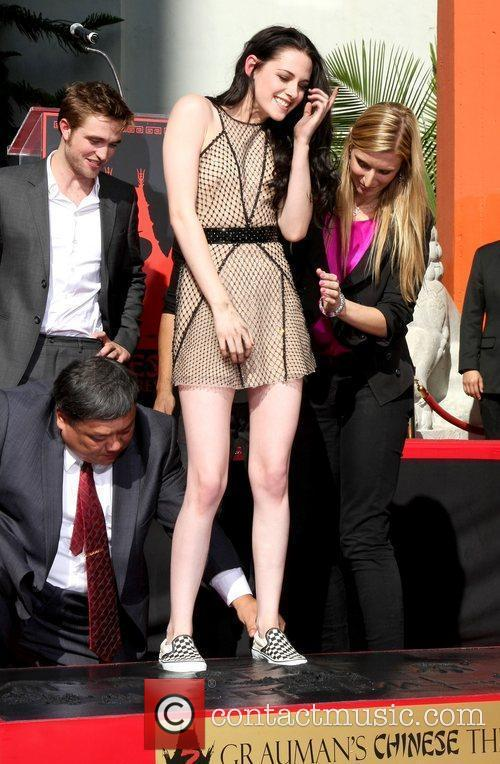 Kristen Stewart and Grauman's Chinese Theatre 7
