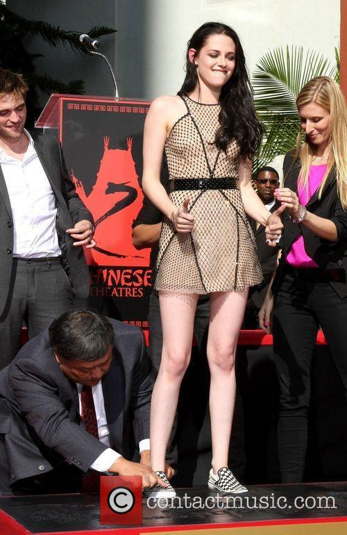 Kristen Stewart and Grauman's Chinese Theatre 3