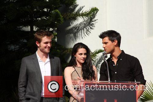 Robert Pattinson, Kristen Stewart, Taylor Lautner and Grauman's Chinese Theatre 21