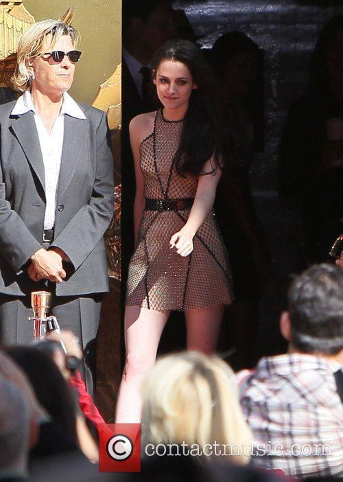 Kristen Stewart and Grauman's Chinese Theatre 11