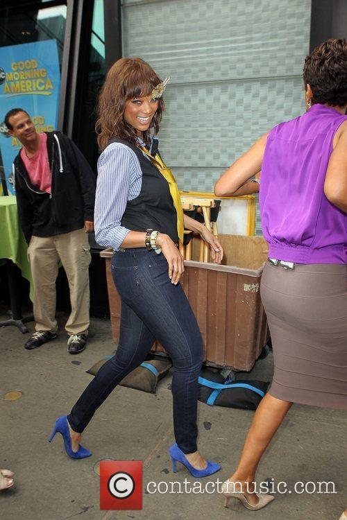 Tyra Banks 8