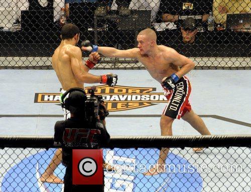 Mark Hominick vs Jose Aldo  UFC 129...
