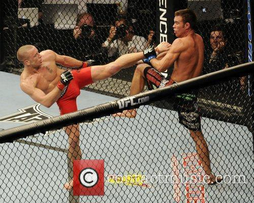 Georges St-Pierre vs Jake Shields  UFC 129...