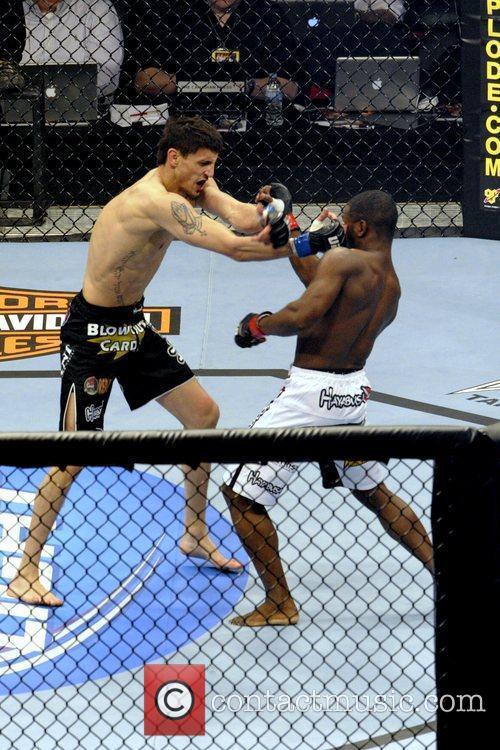 Pablo Garza vs Yves Jabouin  UFC 129...